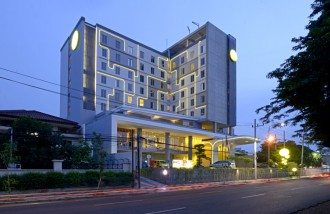 yello-hotel - Web design surabaya