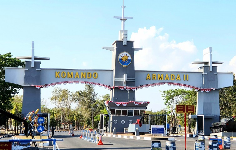 komando-armada-ii-tni-al-surabaya-letter-timbul-3d-acrylic-with-led-light